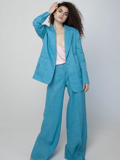 деловой костюм синего цвета